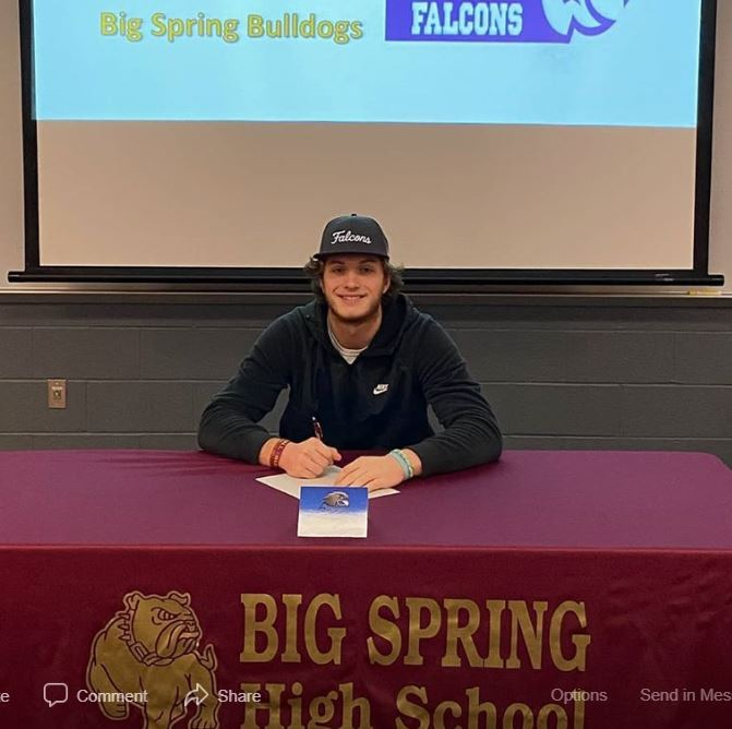 Big Spring Student signs with Notre Dame